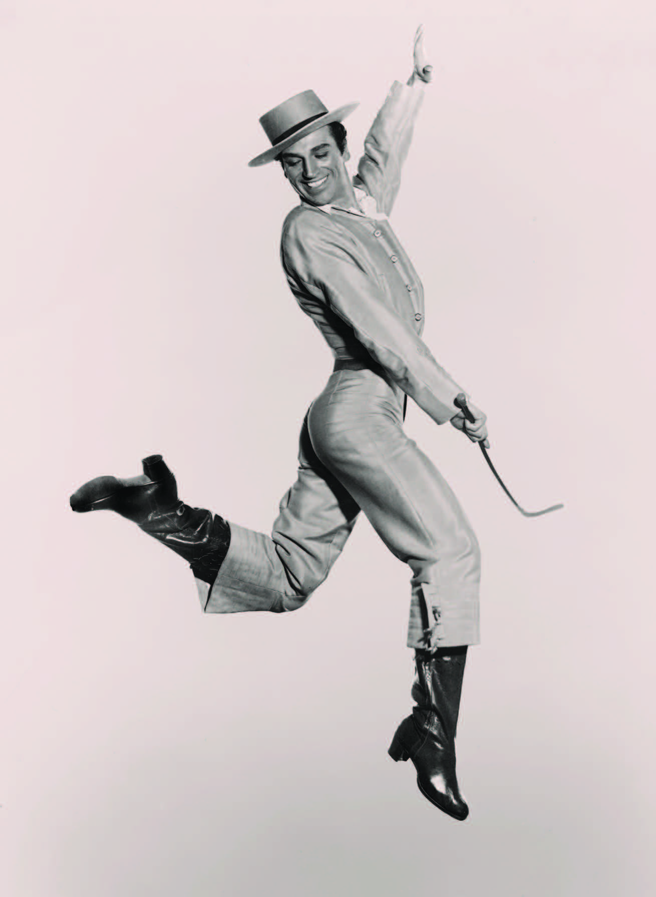 José Greco publicity photo, ca. 1950s. Courtesy of Estate of Maurice Seymour and New York Public Library for the Performing Arts, Jerome Robbins Dance Division.